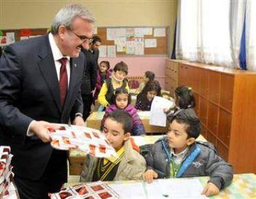 17 milyon öğrenci ders başı yapıyor