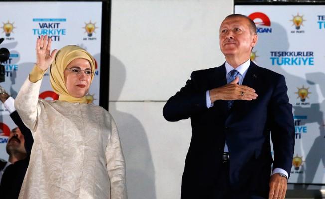 Erdoğan'ın Başkanlık mazbatası Meclis'te