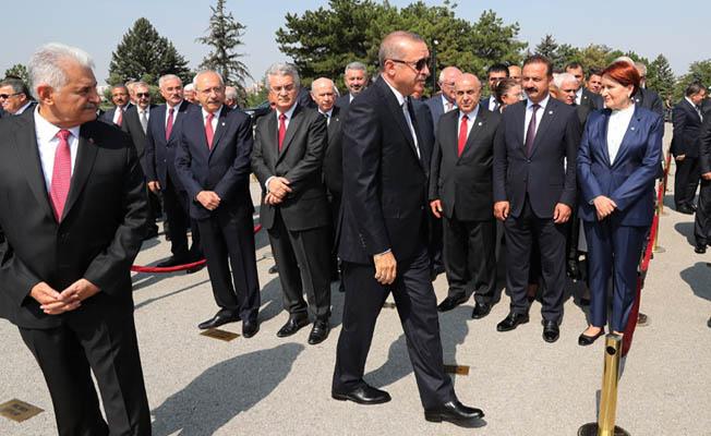 Başkan Erdoğan, Anıtkabir'de düzenlenen törene katıldı