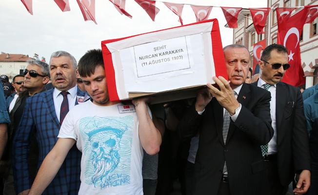Erdoğan, Nurcan ve Bedirhan Mustafa Karakaya'nın cenaze törenine katıldı