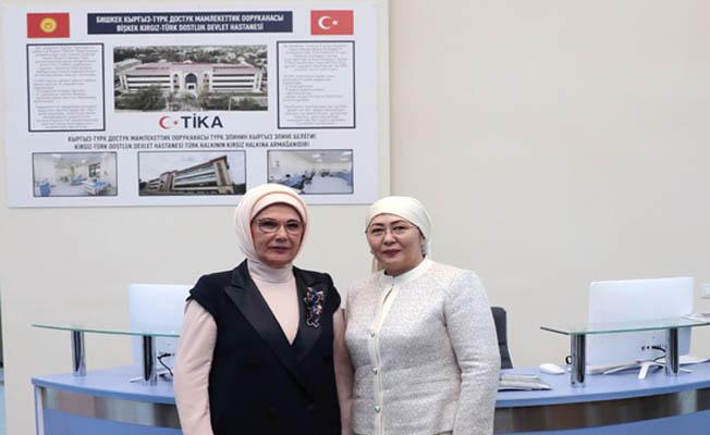 Emine Erdoğan, Bişkek Kırgız-Türk Dostluk Hastanesi'ni ziyaret etti
