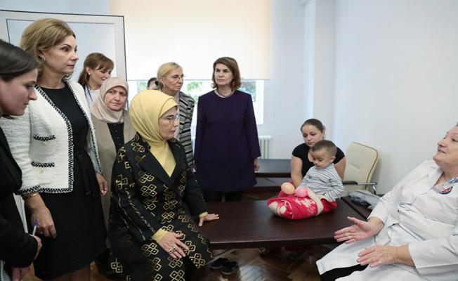 Emine Erdoğan, Anne ve Çocuk Merkezi'ni ziyaret etti