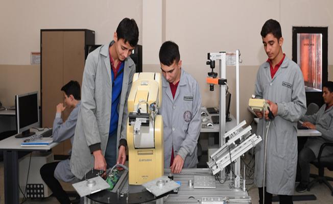 İstihdam garantili mikromekanik eğitimi