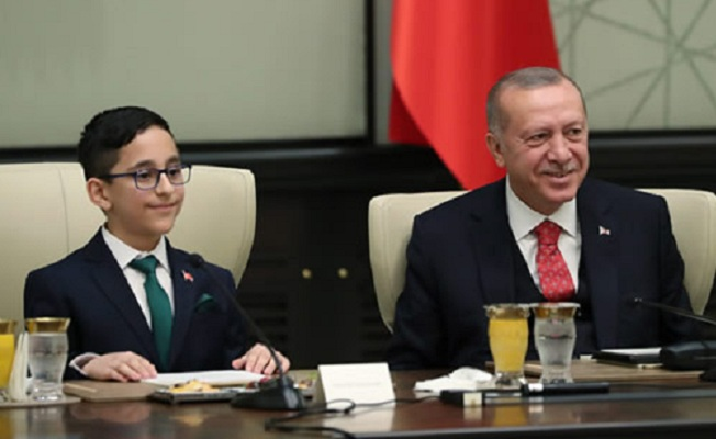 23 Nisan Çocuklarını Cumhurbaşkanlığı Külliyesinde kabul etti
