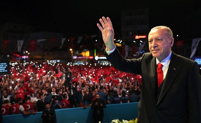 Hiçbir şey Türkiye'nin istiklalinden daha mühim değil
