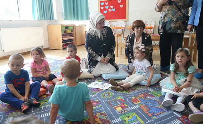 Bosna Hersek'te Maarif okullarını ziyaret etti