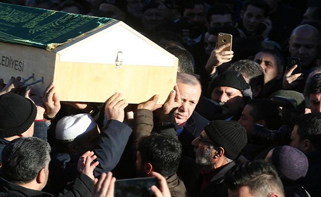 Son dakika!.... Başkan Erdoğan, 6.8 büyüklüğünde depremin meydana geldiği Elazığ'a gitti.