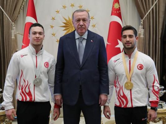 Başkan Erdoğan, millî jimnastikçileri kabul etti