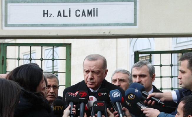 Başkan Erdoğan, cuma namazını Hz. Ali Camii'nde kıldı.