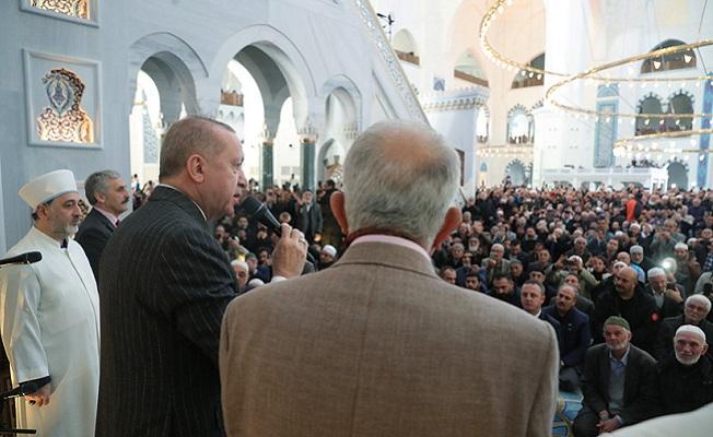 Cumhurbaşkanı Erdoğan, Cuma namazını Büyük Çamlıca Camii'nde kıldı