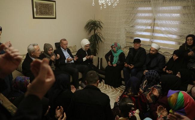 İdlib şehidi Baysal'ın babaevine taziye ziyareti