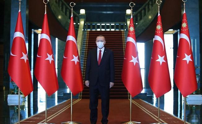 Erdoğan, Cumhurbaşkanlığı Külliyesinde tebrikleri kabul etti