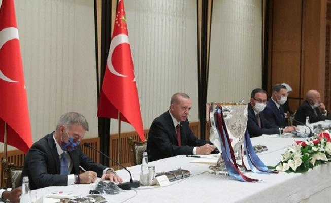 Başkan Erdoğan, Trabzonspor heyetini kabul etti