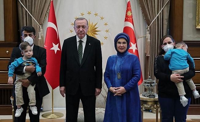Başkan Erdoğan, siyam ikizleri Derman ve Yiğit Evrensel'i kabul etti