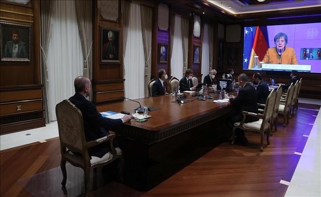 Başkan Erdoğan, Merkel ile video konferans aracılığıyla görüştü