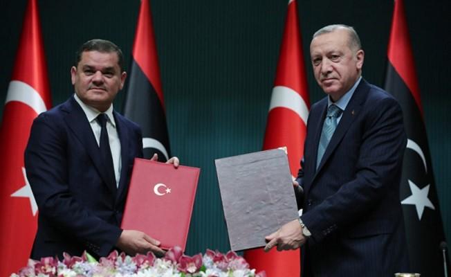 Başkan Erdoğan açıkladı: Türkiye'den Libya'ya 150 bin doz aşı