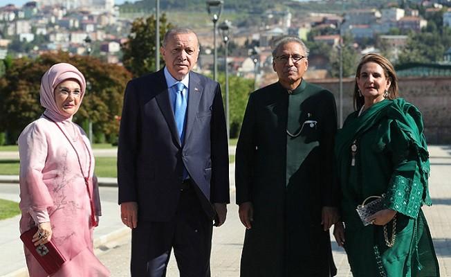 Başkan Erdoğan, Pakistan Cumhurbaşkanı Alvi ile görüştü