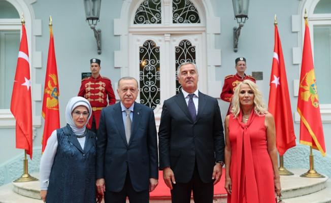Cumhurbaşkanı Erdoğan, Karadağ Cumhurbaşkanlığı Rezidansı'nda