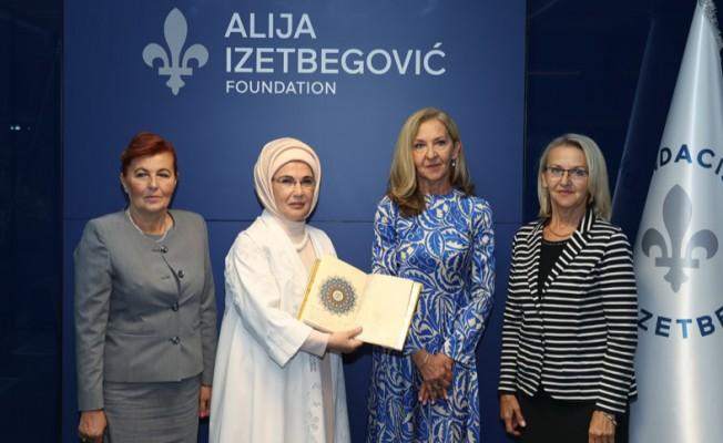 Emine Erdoğan, Aliya İzzetbegoviç Vakfı'nı ziyaret etti