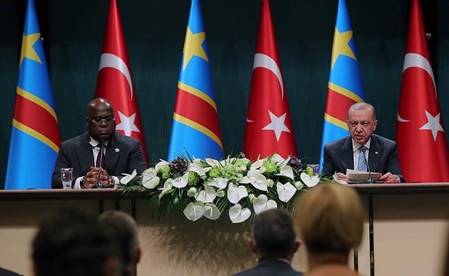 """Başkan Erdoğan, """"Afrika'yla ilişkilerimizin özü; samimiyet, kardeşlik, dayanışmadır"""""""