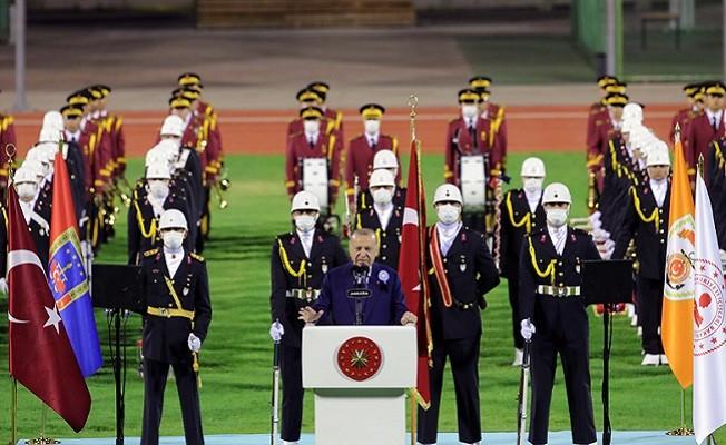 """Başkan Erdoğan, """"BU MİLLETİ, MİLLET YAPAN ZAFERLERİ YARIŞTIRMAK, KİMSENİN HADDİ DEĞİL"""""""