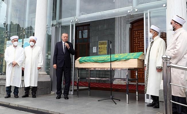 Başkan Erdoğan, Güneysu'da cenaze törenine katıldı