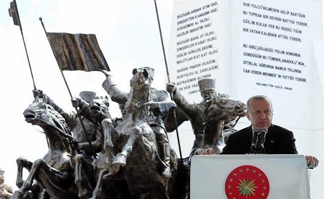 """Başkan Erdoğan, """"Kendimize daha çok güveniyor, geleceğimize daha umutla bakıyoruz"""""""
