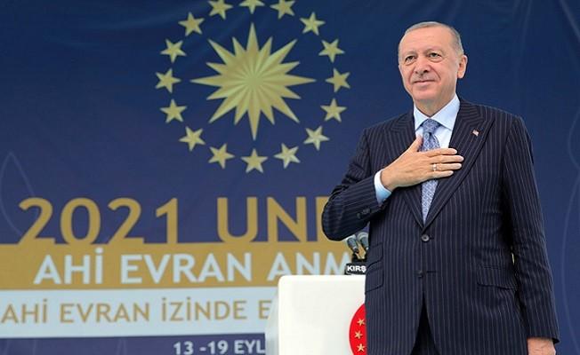 """Başkan Erdoğan, """"Sadece son 8 yılda yaşadıklarımız bile başlı başına bir ibret vesikasıdır"""""""