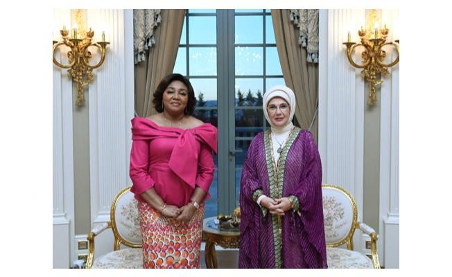 Emine Erdoğan, Denise Nyakeru Tshisekedi Tshilombo ile görüştü