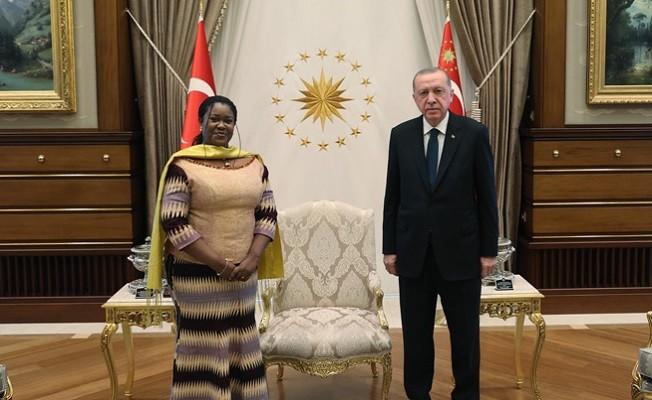 Gana Büyükelçisi'nden Cumhurbaşkanı Erdoğan'a güven mektubu