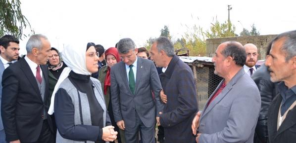 Adana'da birtakım ziyaretlerde bulundu