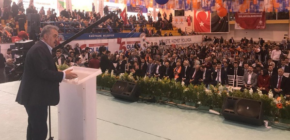 AK Parti, Türk siyasi hayatının partiler yelpazesinde amiral gemisidir
