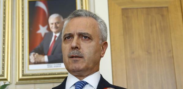 AK Parti'de ilçe kongreleri iptal edilmedi, ertelendi