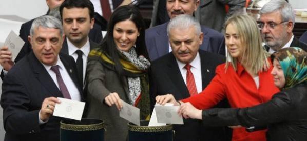 Anayasa değişikliği ile Türkiye'nin geleceğini sağlamlaştırmak istiyoruz