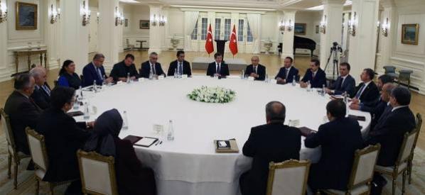 Başbakan Davutoğlu, Alevi Kültür Derneklerinin Temsilcileri ile görüştü.
