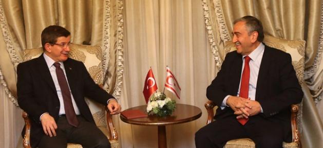 Başbakan Davutoğlu, KKTC Cumhurbaşkanı Akıncı ile görüştü