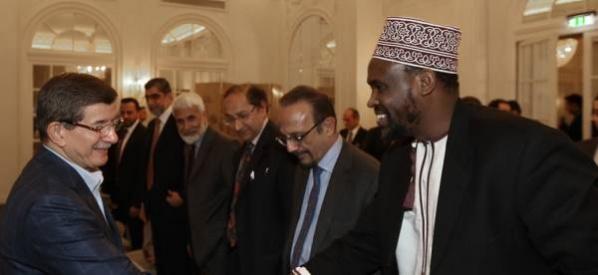 Başbakan Davutoğlu, Londra'da Britanya Müslüman Konseyi heyetini kabul etti