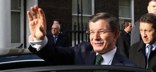 Başbakan Davutoğlu Londra'dan ayrıldı