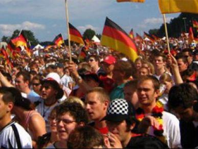 Bu gençler Türk değil, Alman 'lan!'