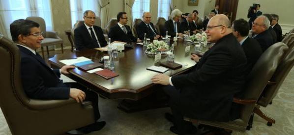 Davutoğlu, Almanya Devlet Bakanı Altmeier ile görüştü