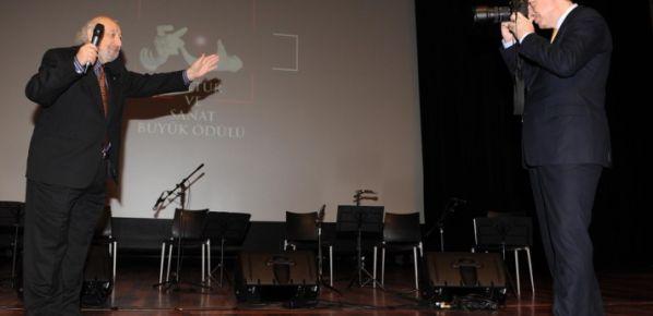 Erdoğan makinayı kaptı Ara Güler'i çekti