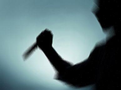 Eski eşini 14 yerinden bıçaklayarak öldürdü
