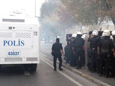 Halkevleri üyelerine sert müdahele: 18 gözaltı
