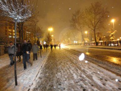 İstanbul yeniden beyaza büründü