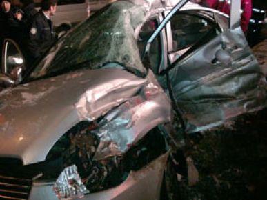İzmir'de trafik kazası: 1 ölü 1 yaralı