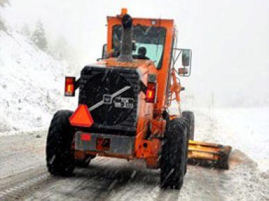 Kar yağışı 125 köyü ulaşıma kapattı