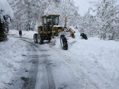 Kar yağışı 332 köy yolunu kapattı