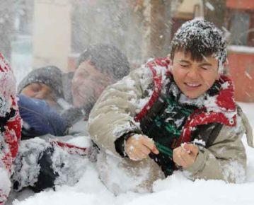 Kar yağışı nedeniyle 14 ilde okullar tatil