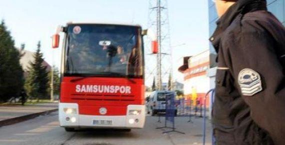 Samsunspor'un otobüsüne tren çarptı