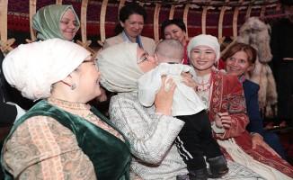Emine Erdoğan, Etno Şehir'i ziyaret etti
